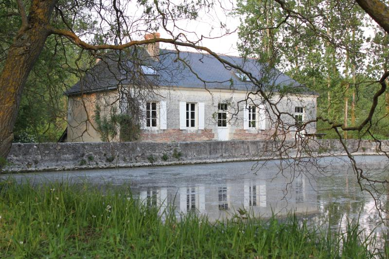 Le Moulin, Montpollin, holiday rental in Savigne-sous-le-Lude
