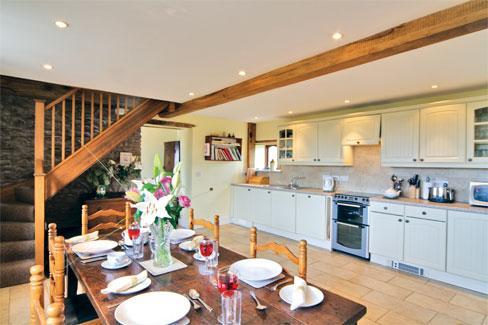 Spacious cottage kitchen /diner