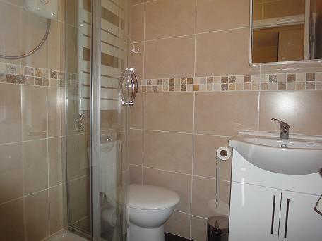 En-suite Showerroom & wc