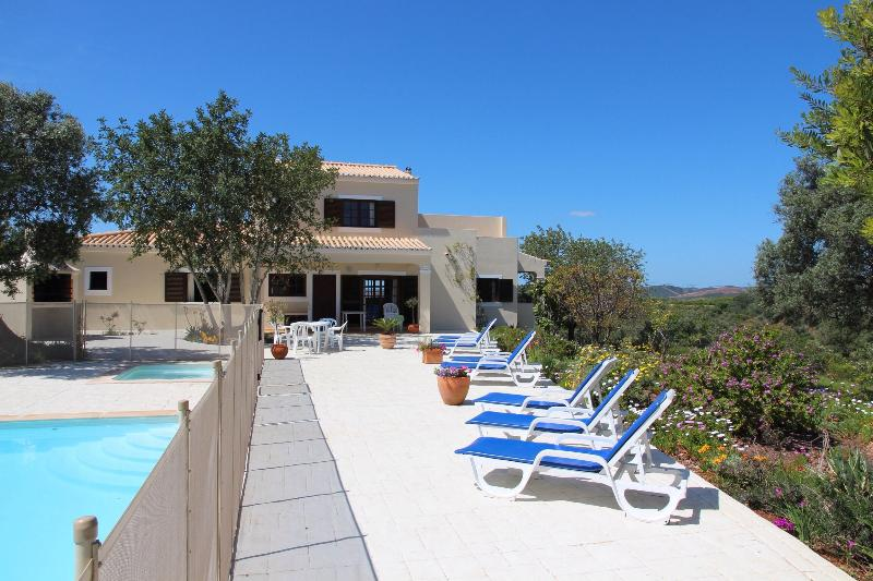 Large back sun terrace
