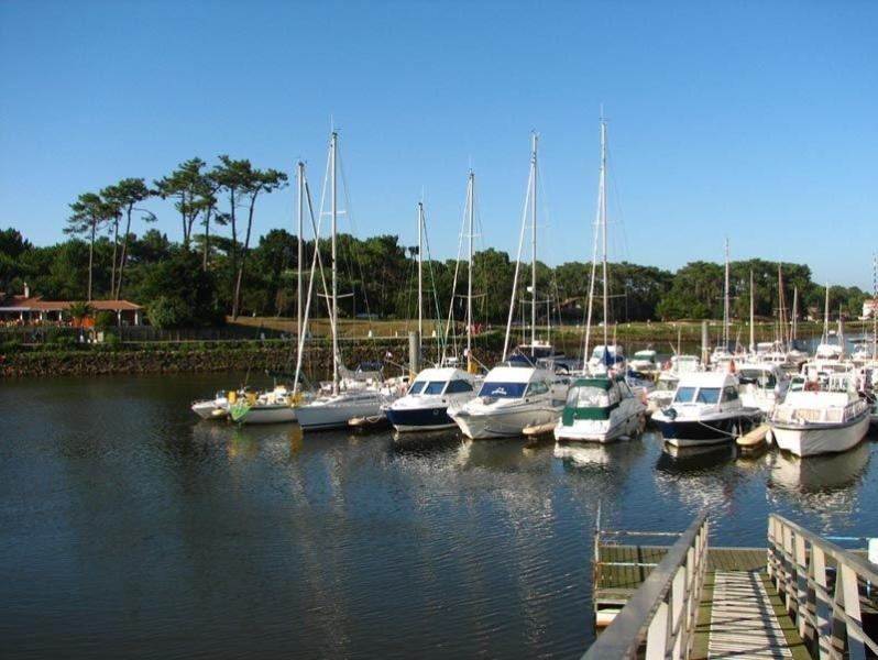 Capbreton harbour (10 min drive from house)