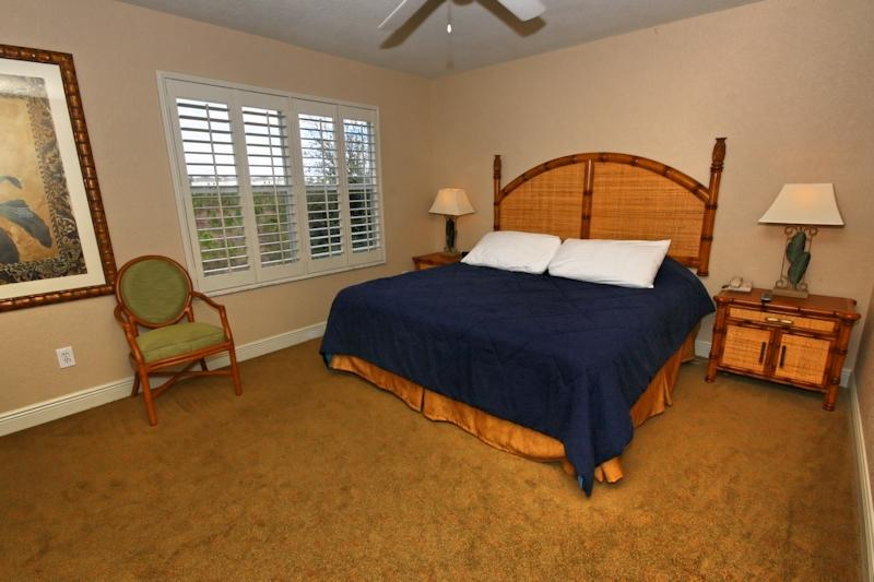 Quinn Villa - Master Bedroom with full ensuite with Jacuzzi, walk in wardrobe, TV with cable