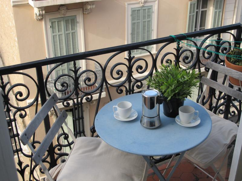 Balcony overlooking Place Commandant Lamy