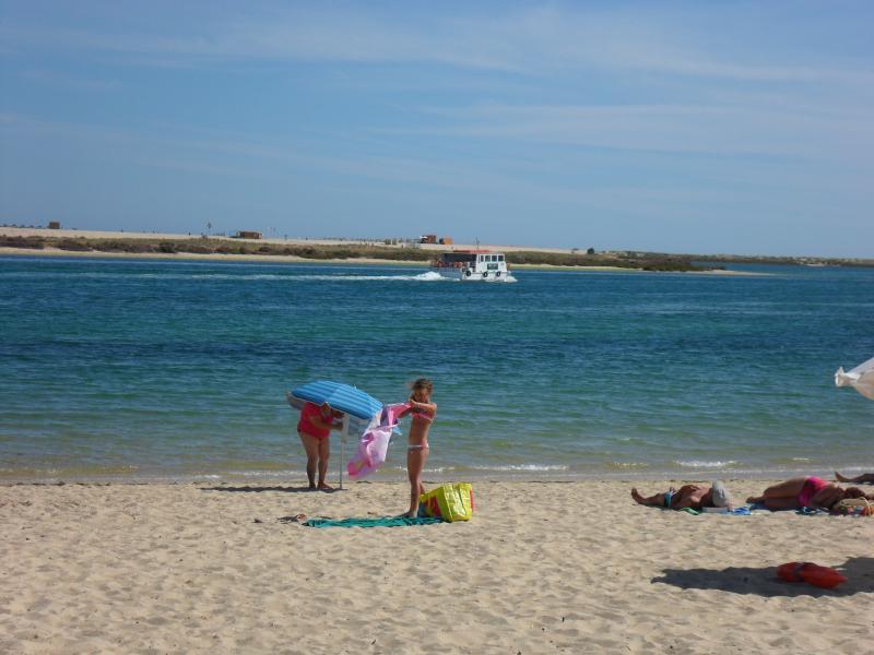 Playa Fuzeta, Ria y Ferry a isla playa