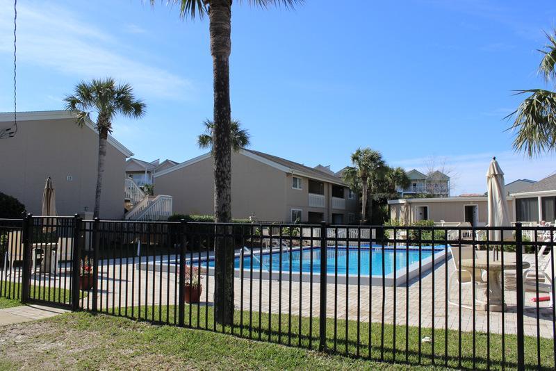Fence,Building,Urban,Neighborhood,Palm Tree