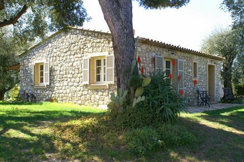 Maison Fleurie and gardens