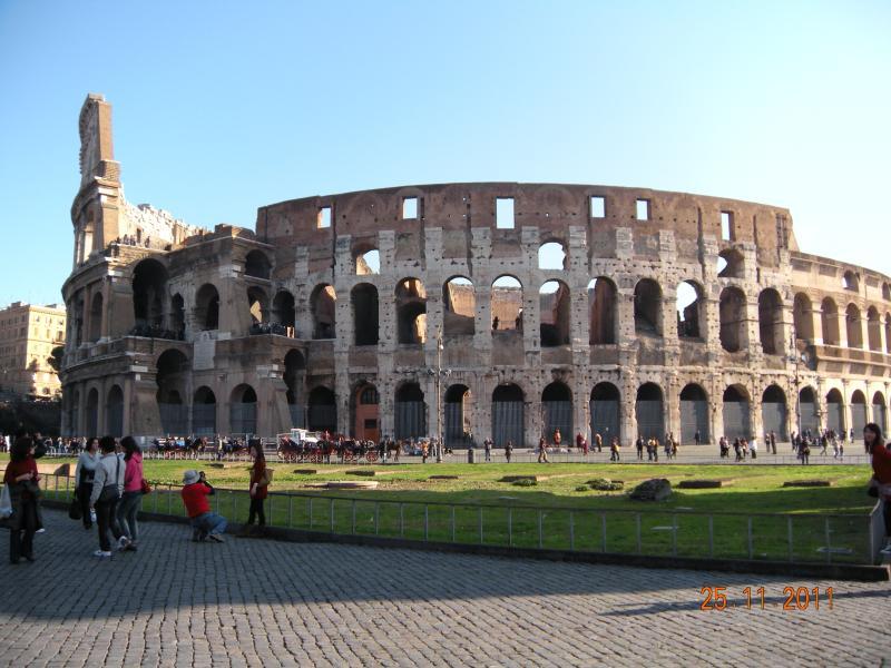 Colosseo 300 mt da Casa Calpurnia