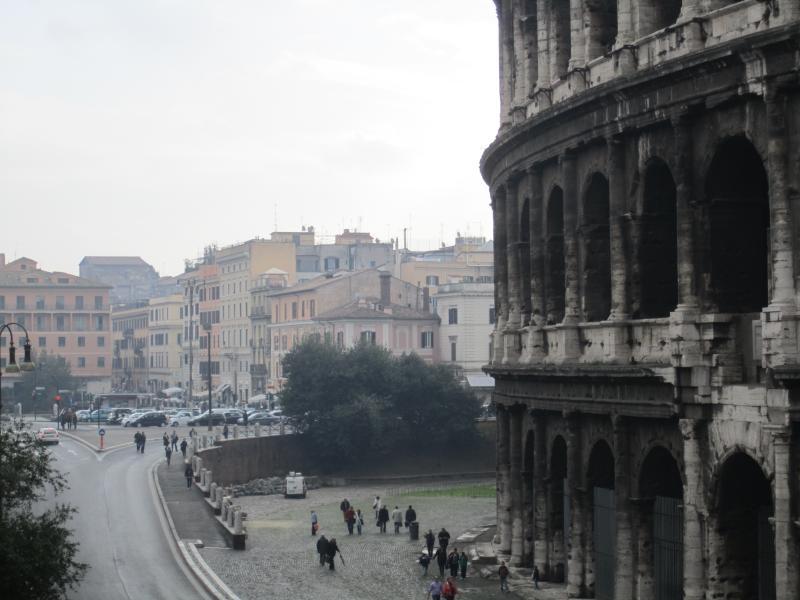 Colosseo e inizio di Via San Giovanni in Laterano