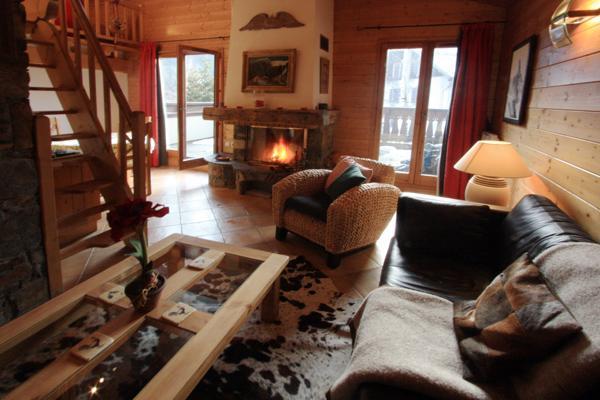 Open planned Lounge area