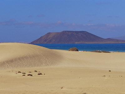 Sand dunes and view to Lobos island