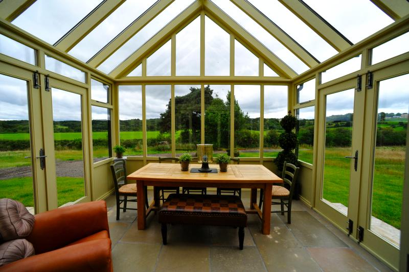 Orangery / Dining Area for 6