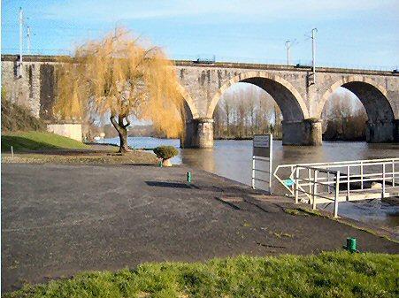 Noyen-sur Sarthe    - Lesuire Area