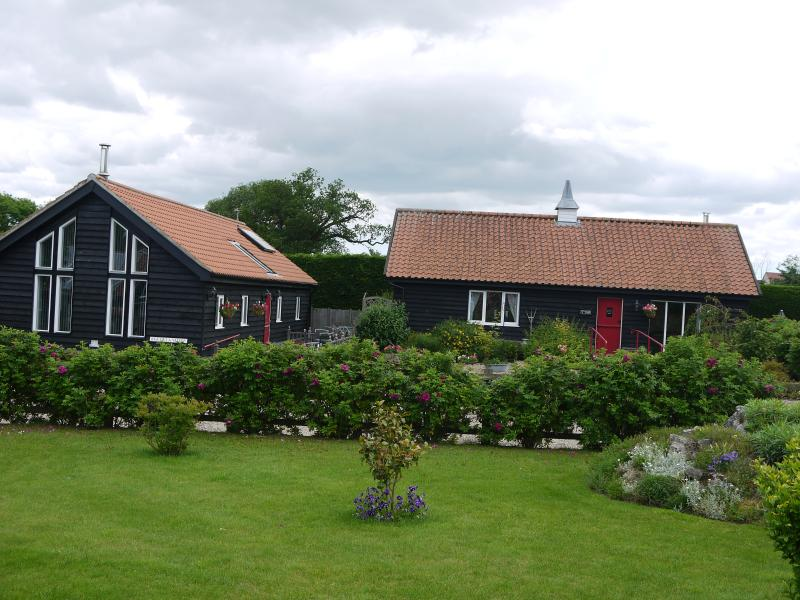 Valley Farm Cottages, holiday rental in Blyford