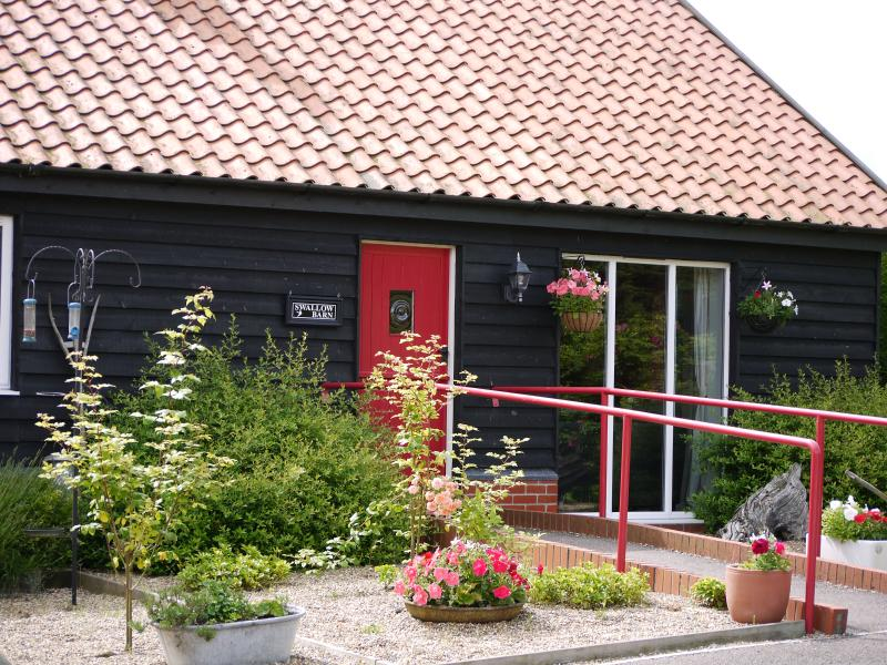 Swallow Barn, holiday rental in Blyford