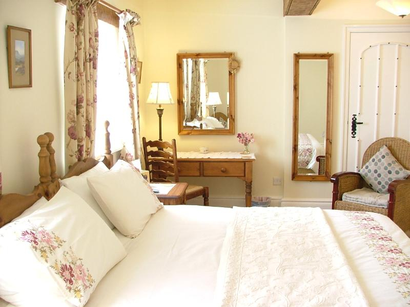 Meadow`s Edge -One of the beautifully furnished ensuite bedrooms..