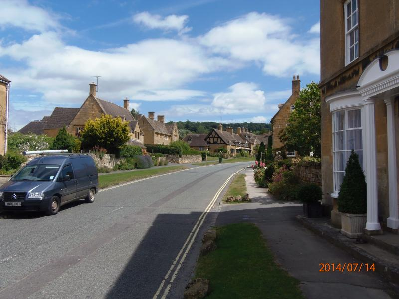 View from Bay house to Upper High Street - A Lovely walk and some beautiful Houses