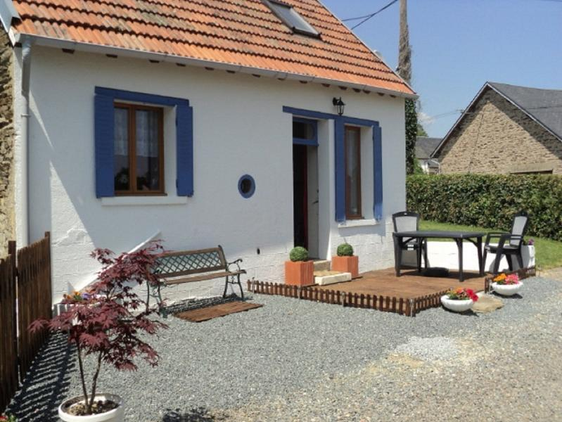 Gite du Lavande, Famil Vacation Hideaway with pool, vacation rental in La Cellette