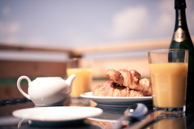 Relaxing breakfast with great views