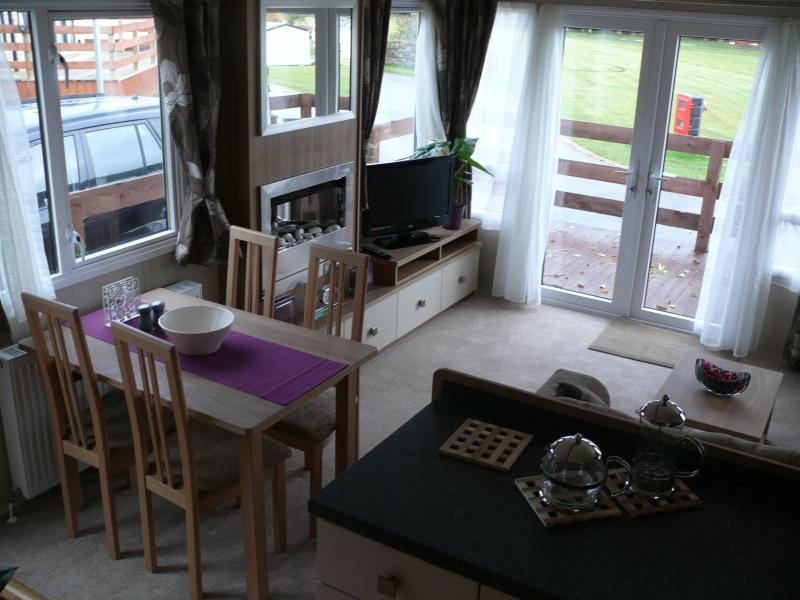 Amplia sala de estar área