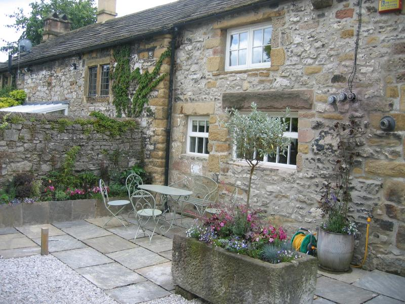 Beautiful Cottage For Holidays: Beautiful Cottage With Parking In Centre Of Bakewell For