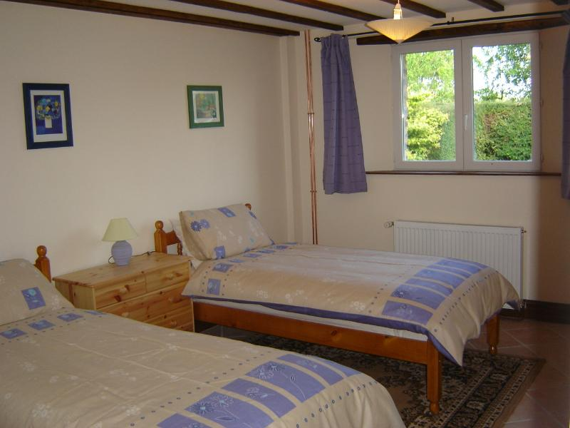 The Stables ground floor twin bedroom (with ensuite)