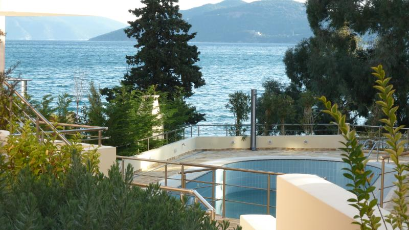View from Ivi to the swimming pool and the sea