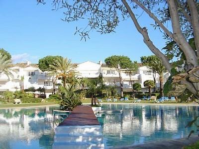 Penthouse in El Presidente, location de vacances à Estepona