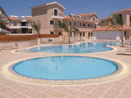 Main swimming pool & kids pool