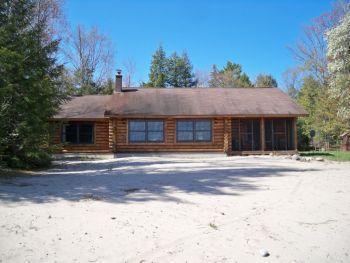 Sunrise Beach House on Lake Superior, near Pictured Rocks!, alquiler de vacaciones en Deerton