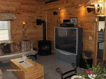 Secluded 4 bedrm cottage on Lake swim & fish!, alquiler de vacaciones en Munising