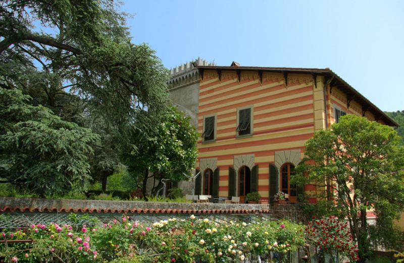 VILLA SAN SIMONE-HOLIDAY RENTALS CLOSE TO FLORENCE, vacation rental in Agliana