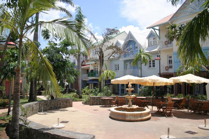 Village Créole, Trois-ilets(marina, restaurants, boutiques)
