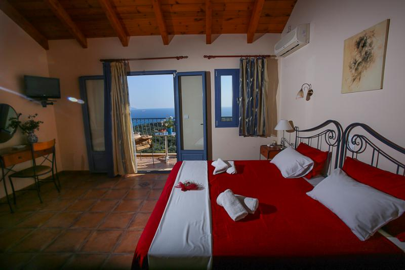 The rooms of Diana offering a panoramic sea and mountain view, it features an outdoor pool. All stud