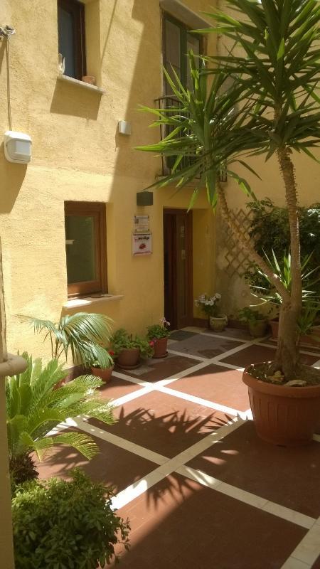 patio-courtyard