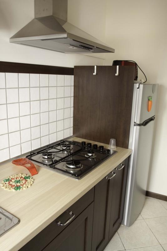 kitchen-equipped kitchen