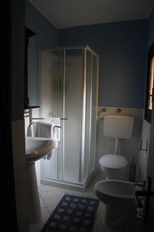 bathroom-toilet