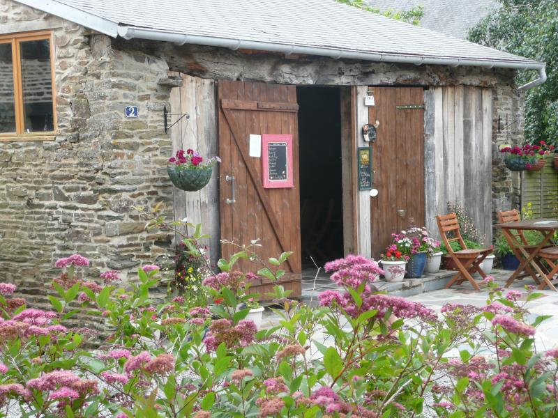 Our converted 14 th Century Barn perfect for al fresco dining!