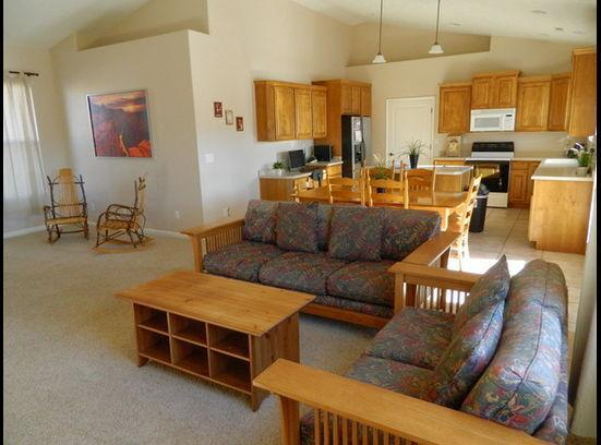 Grand Canyon North Rim National Park home with 4 Bed 2 Bath and backyard POOL only $200/night