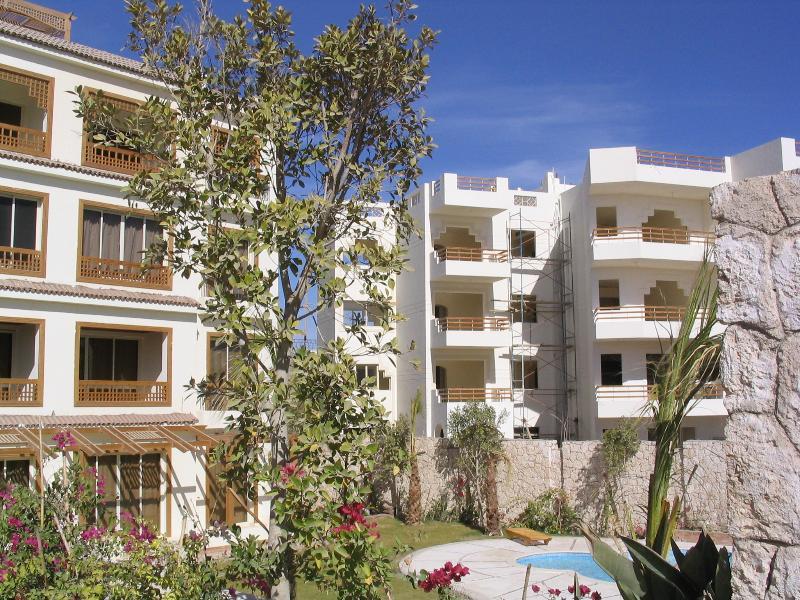 Penthouse apartment - 8 Tiran View (RHS)