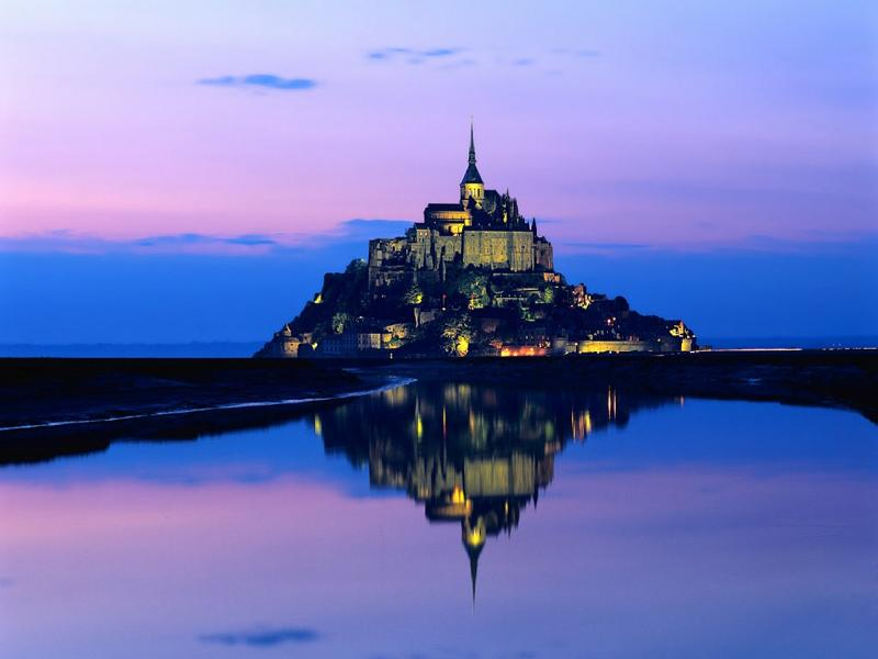 25 mins away the stunning Le Mont St Michel
