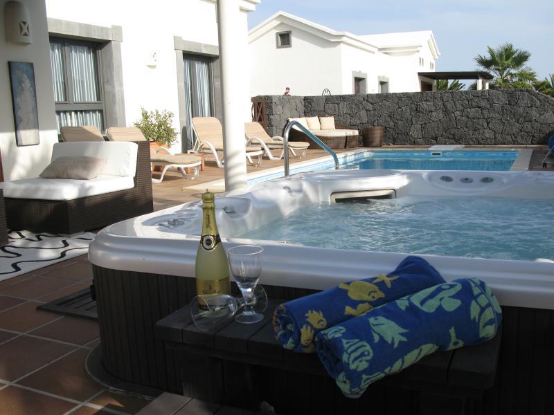 Luxury Jacuzzi Hot Tub