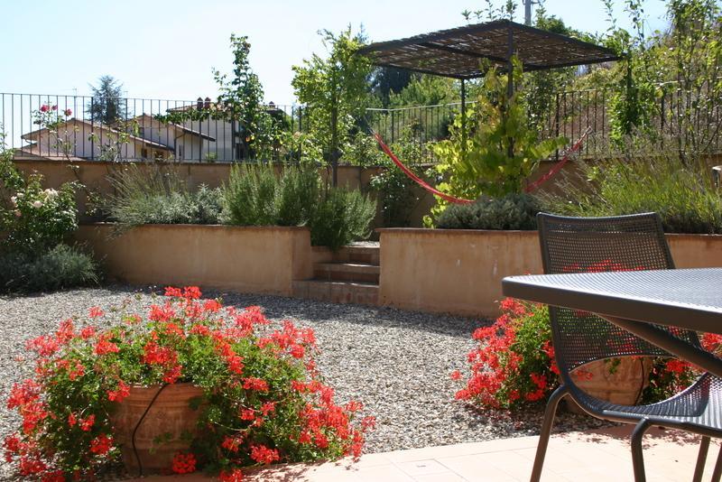 Garden with shady pergola & Hammock