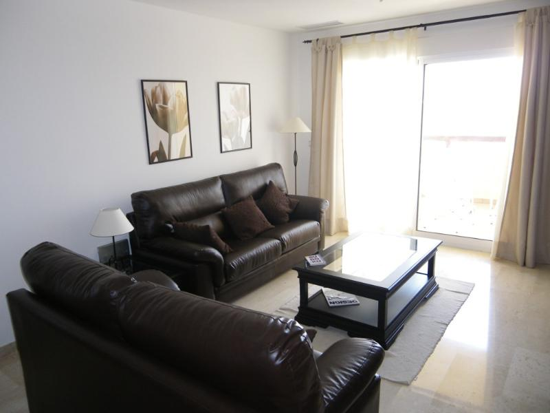 Gorgeous 2 bedroom apartment on United Golf resort, vacation rental in Balsicas