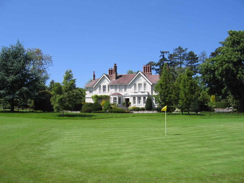 The Manor House with 4th Green