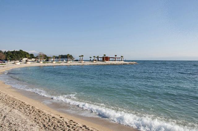 beach (5 min walking from apartment)