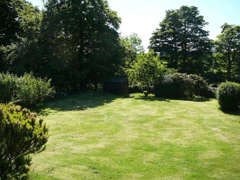 Huge garden at Woodland Cottage for your sole use