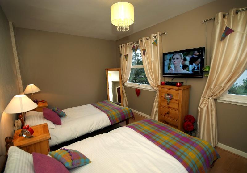 The Froach tartan twin room