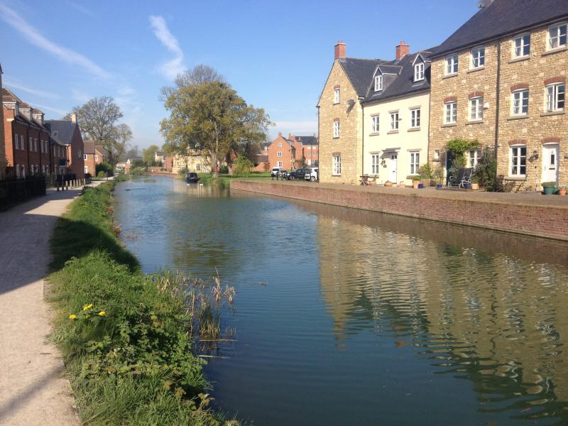 Explore the amazing restoration works and lovely walks along the Stroud waterways canal