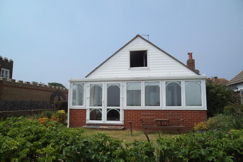 casa de vista para o mar frente destas janelas