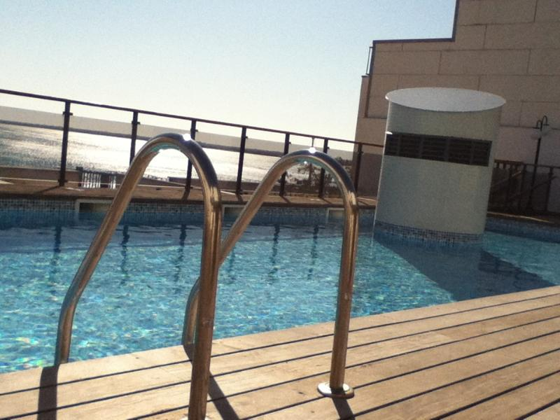 Swiming-pool 10*5*1'20 mts. On the rooftop